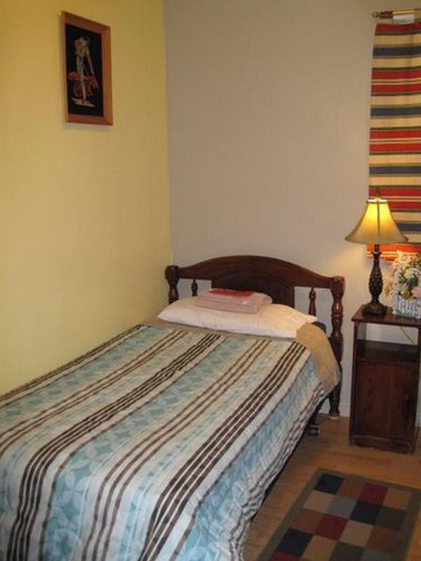 Camelot Inn & Hostel