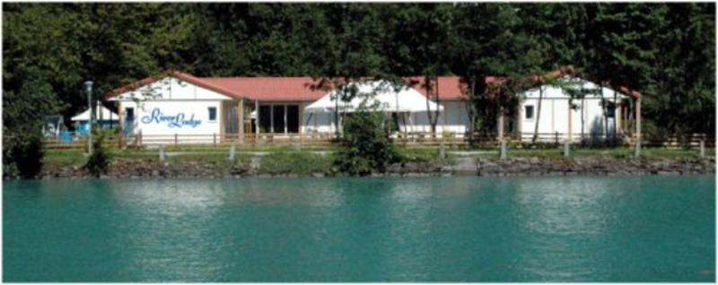 HOSTEL - River Lodge