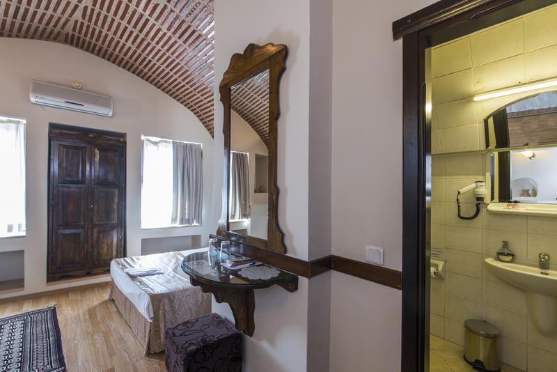 HOSTEL - Naz Wooden House Inn