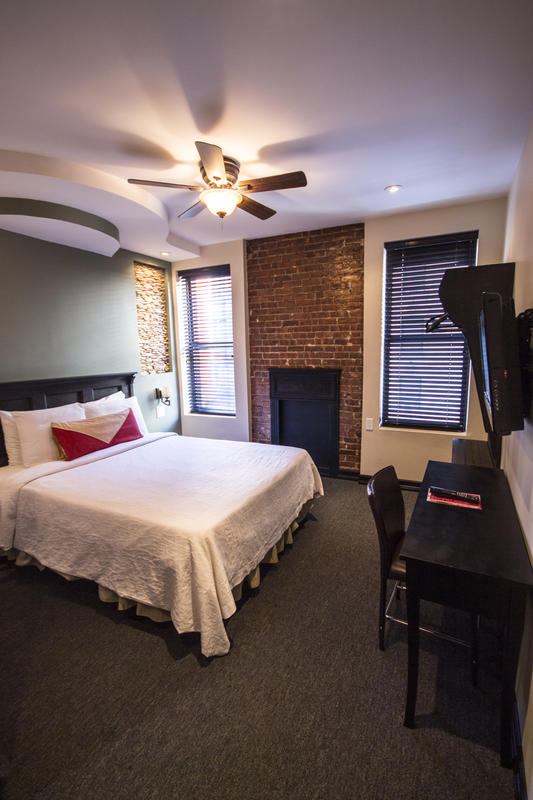 Broadway Hotel n Hostel