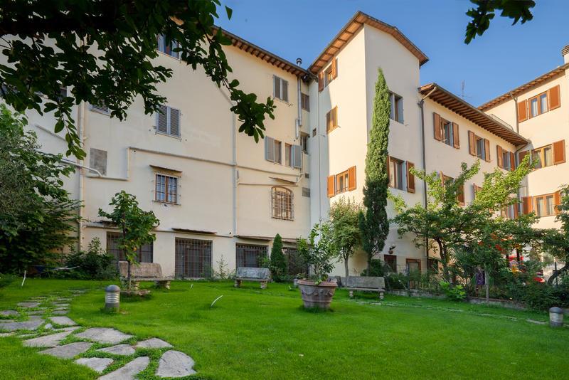 Archi Rossi Hostel
