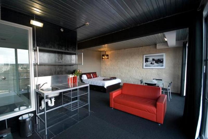 St Kilda Beach House @ Hotel Barkly