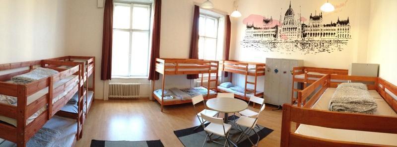 Leanback Hostel