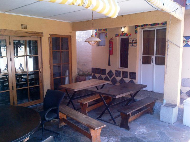 HOSTEL - Accoustix Backpackers Hostel