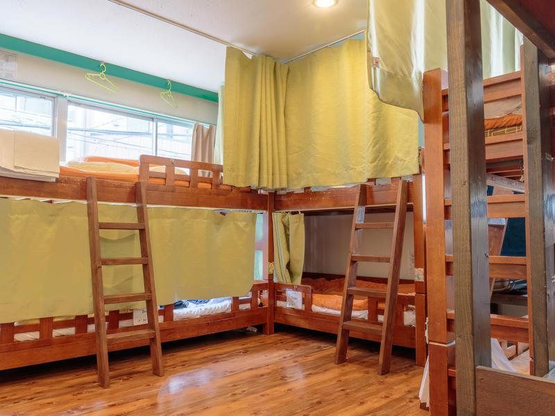 J-Hoppers Osaka Guesthouse