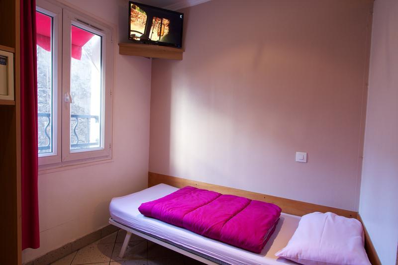 HOSTEL - Bastille Hostel