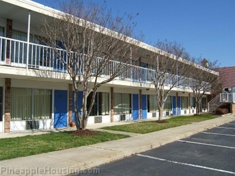 Pineapple Inn & Housing Center