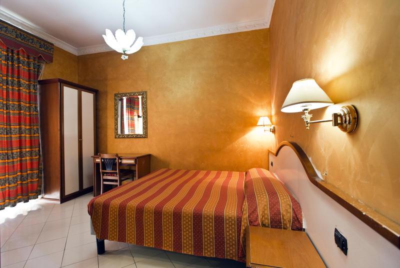 Hostel Lella