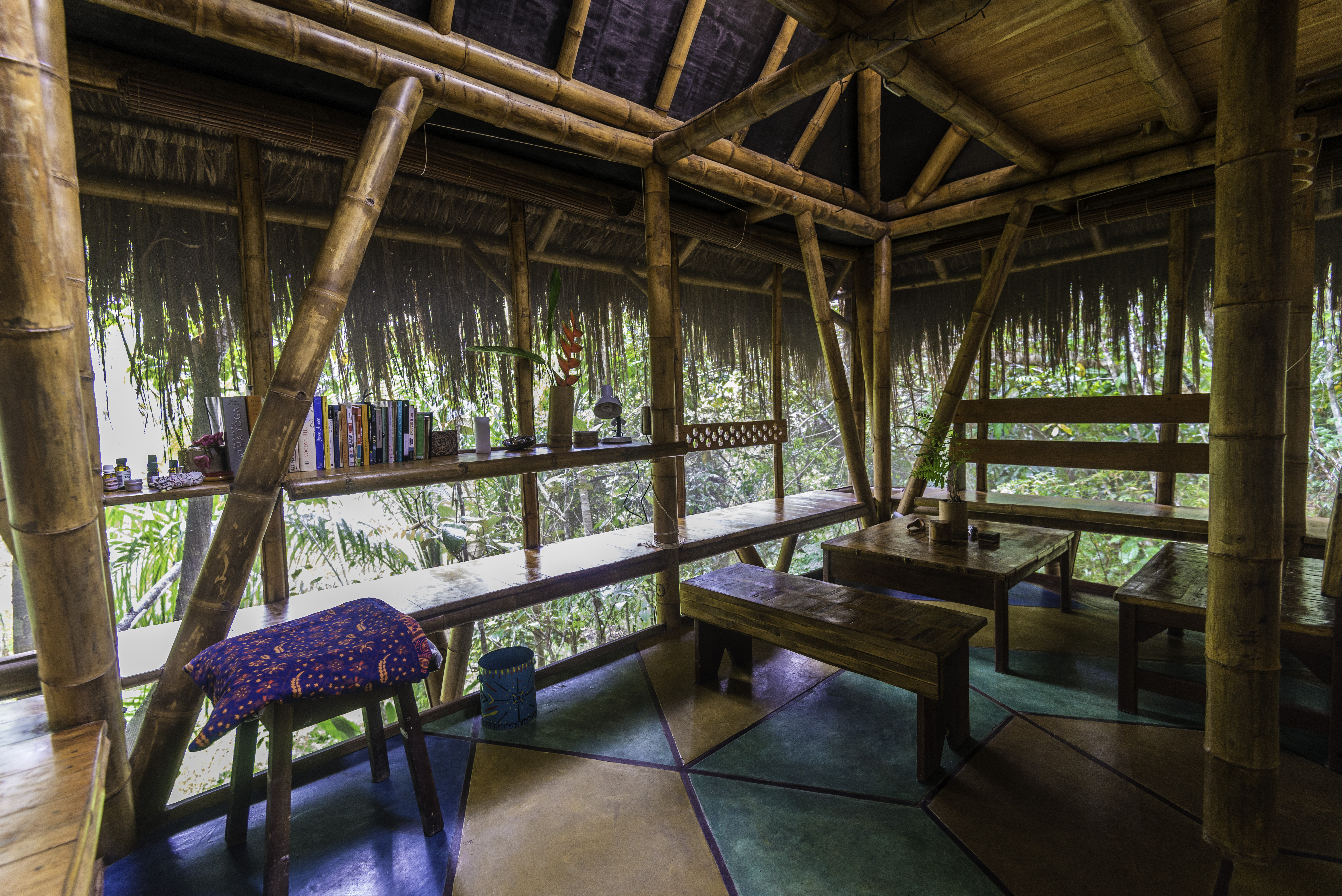 Universo Pol Bamboo Hostel