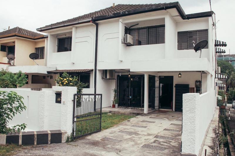 Bunkmates, Damansara Utama