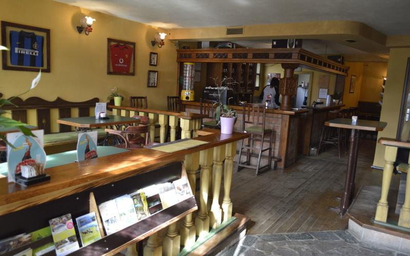 Back Hostel & Bar