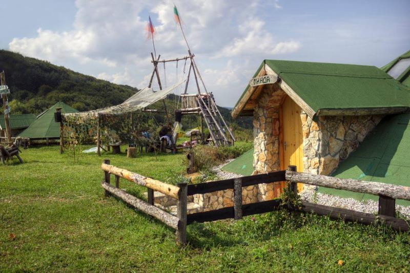Yablanitsa Mountain Huts
