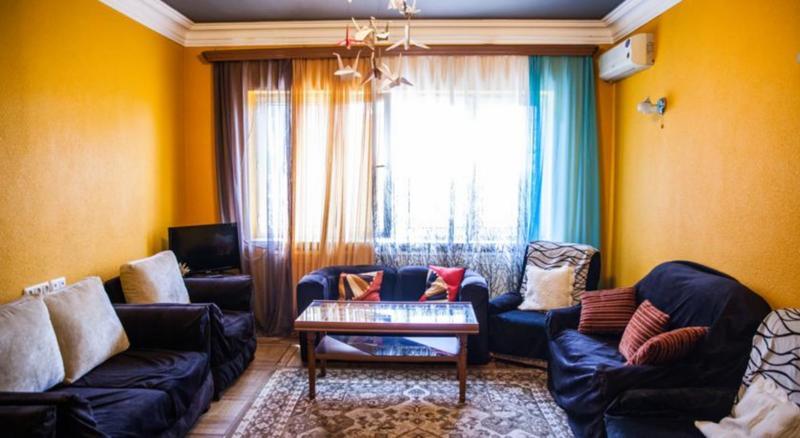 Zebra Hostel & Tours