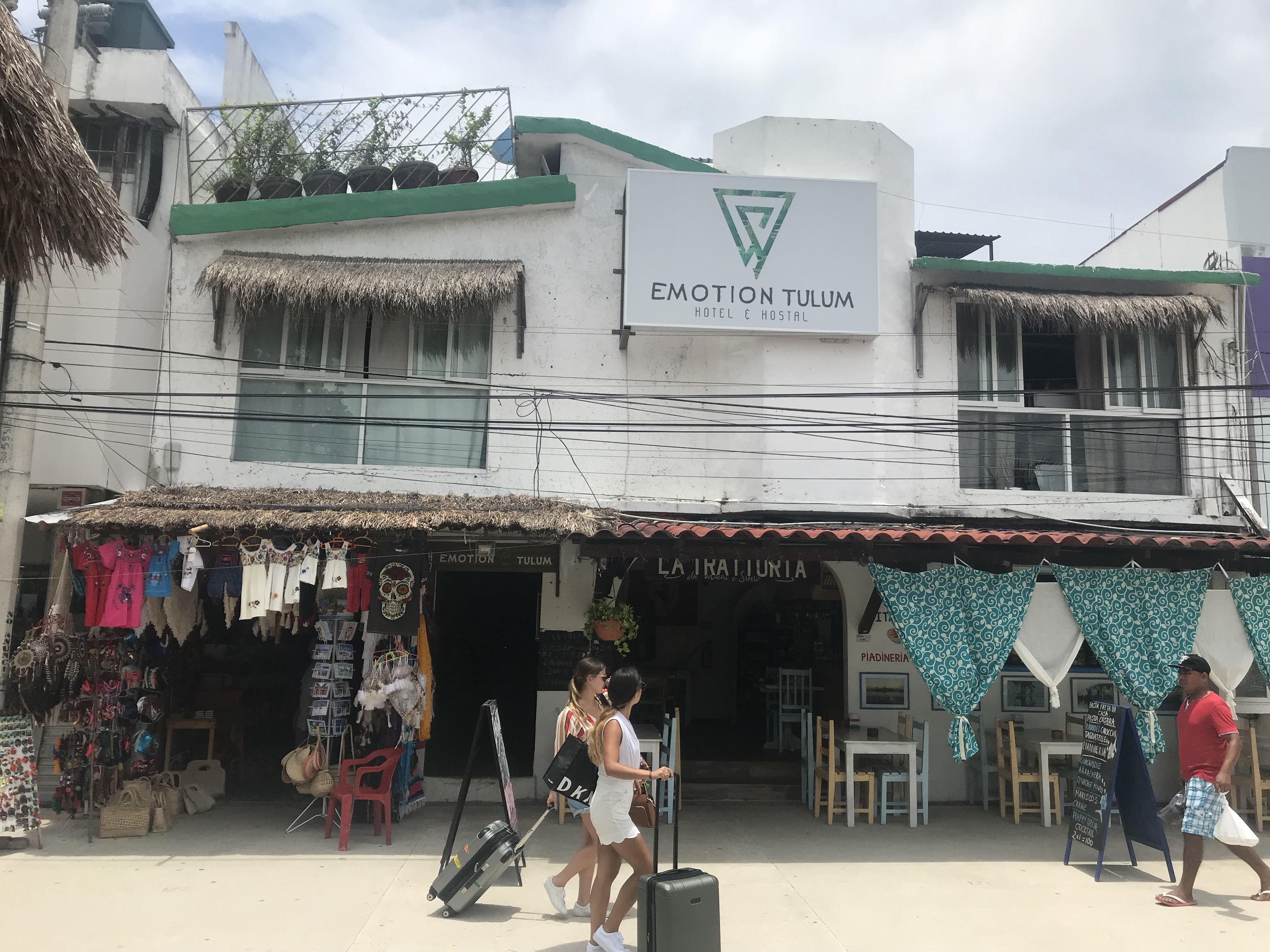 Emotion Tulum Hotel & Hostal