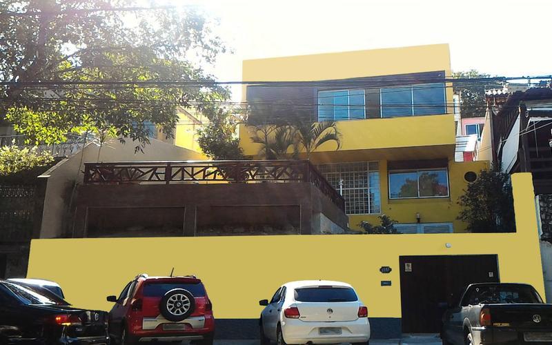 Hangar Rio Hostel