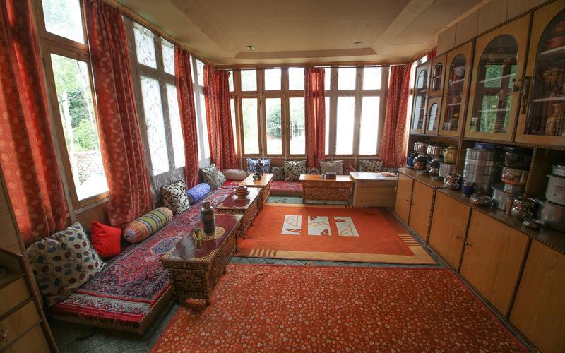 Tsetan Guest House