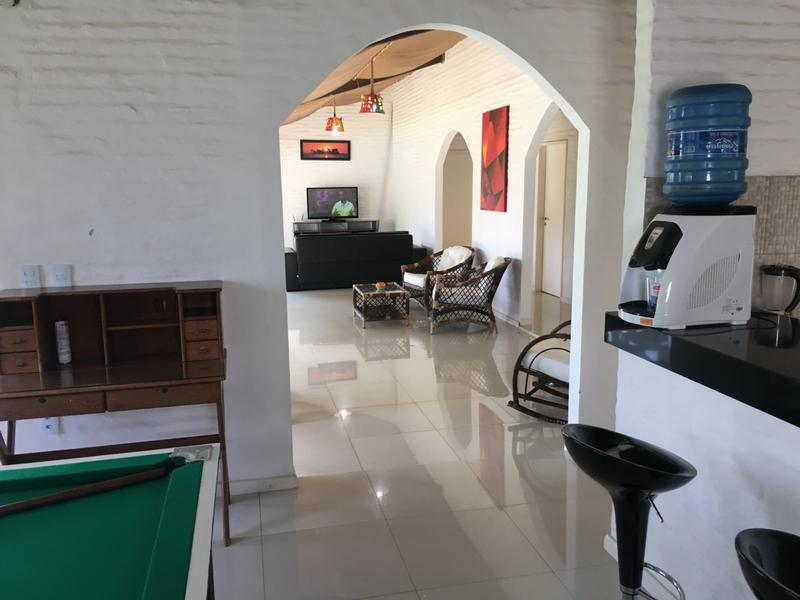 Kiwi Hostel & Lounge