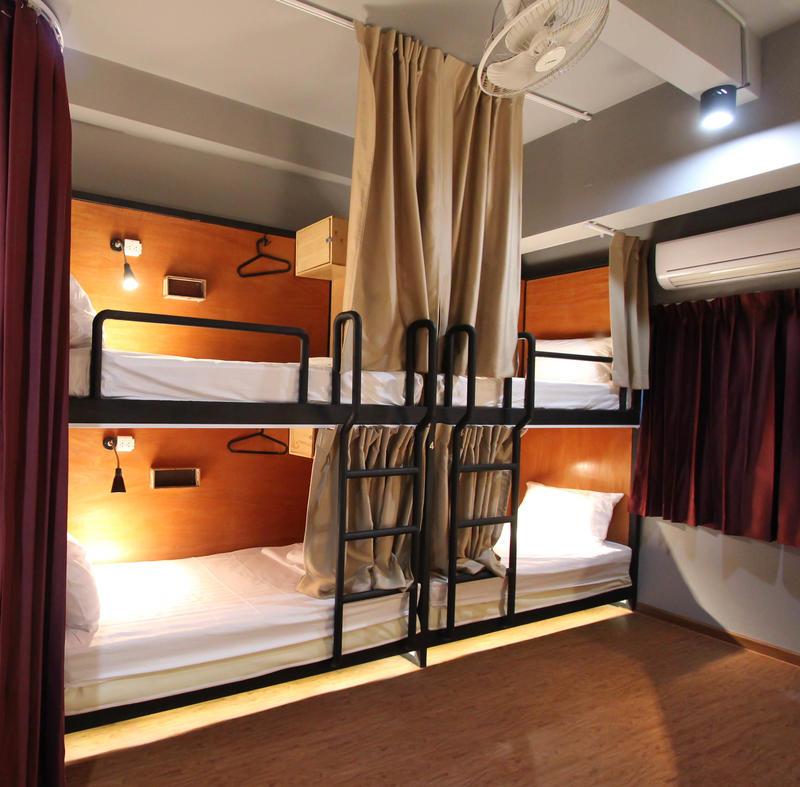 HOSTEL - Thonglor Travellers Hostel and Cafe