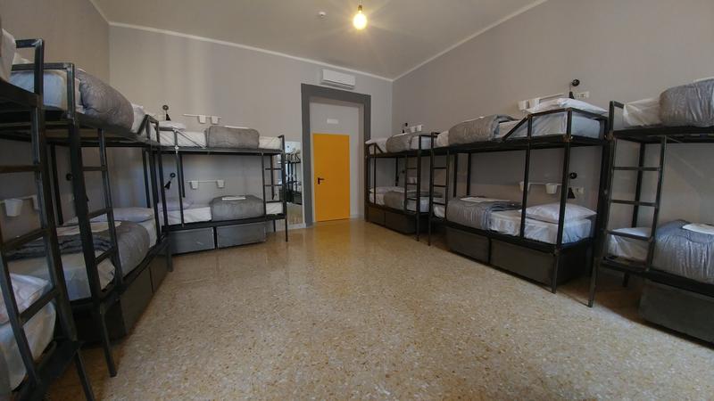 NeapolitanTrips Hostel