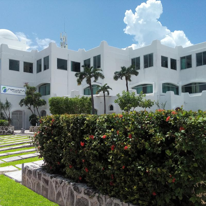Nirvana Hostel Cancun