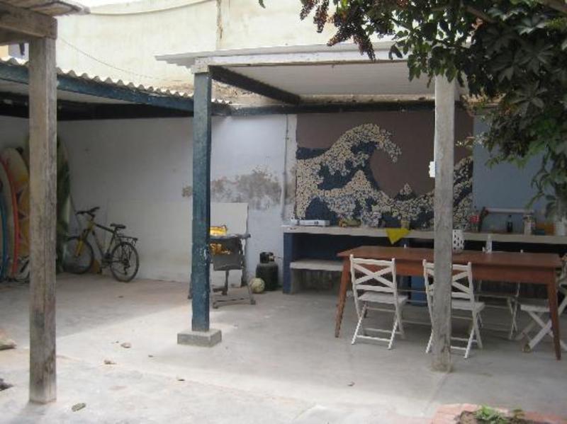 Moksha Surf & Yoga Hostel