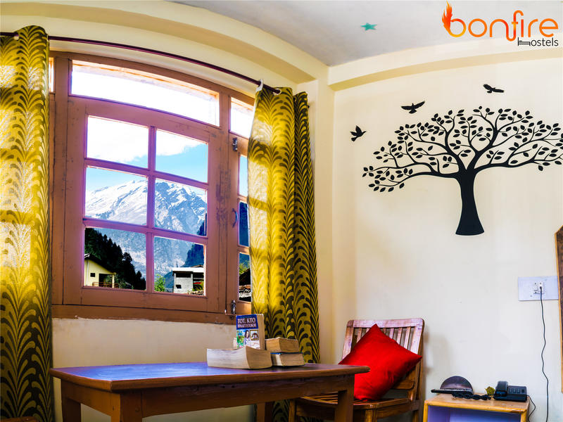 Bonfire Hostels Manali