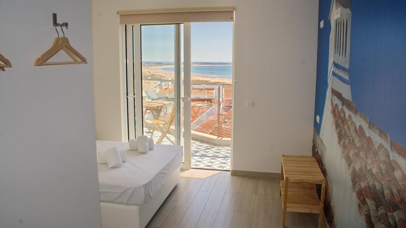 Top City Hostel & Suites