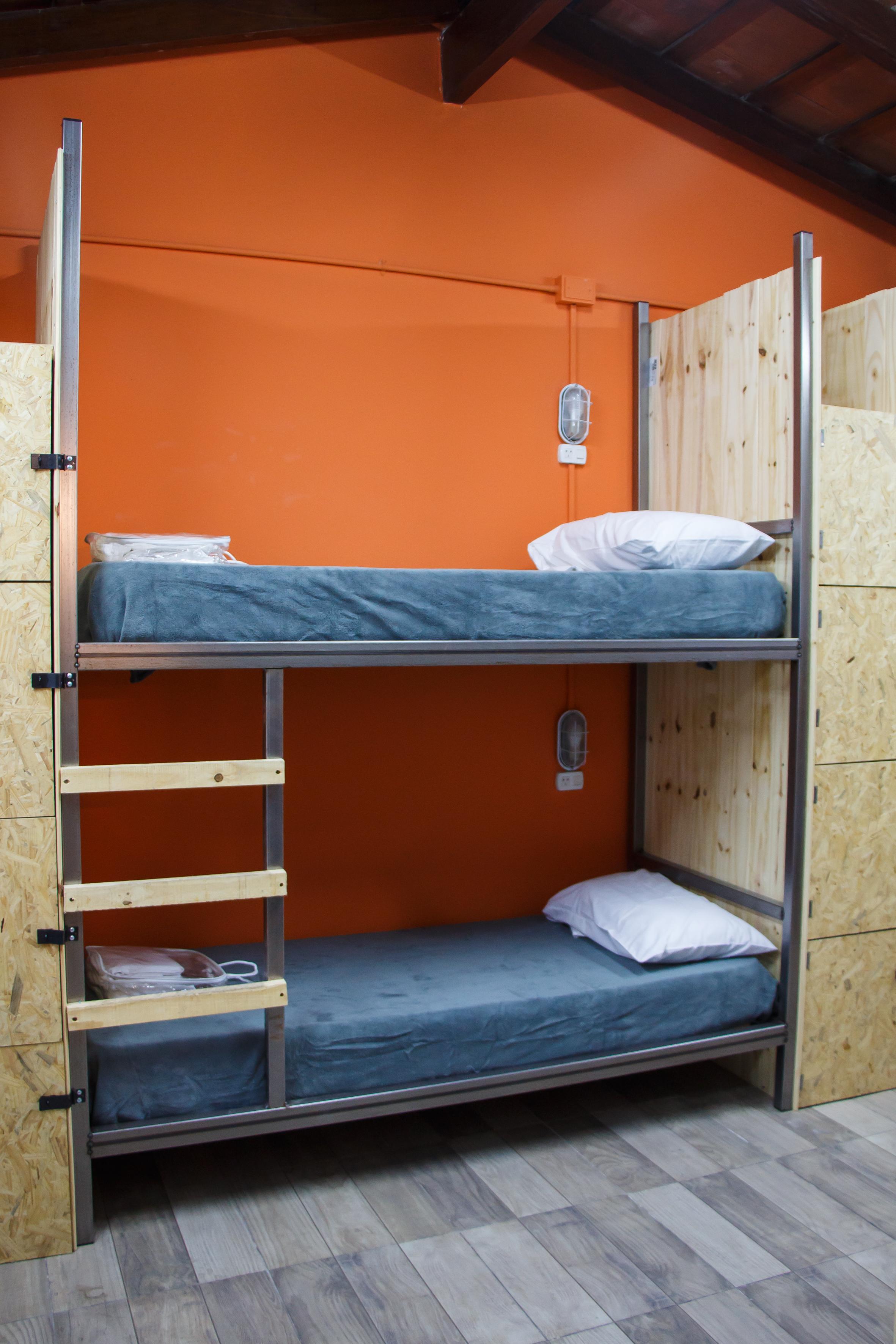 Pura Vida Mae Hostel