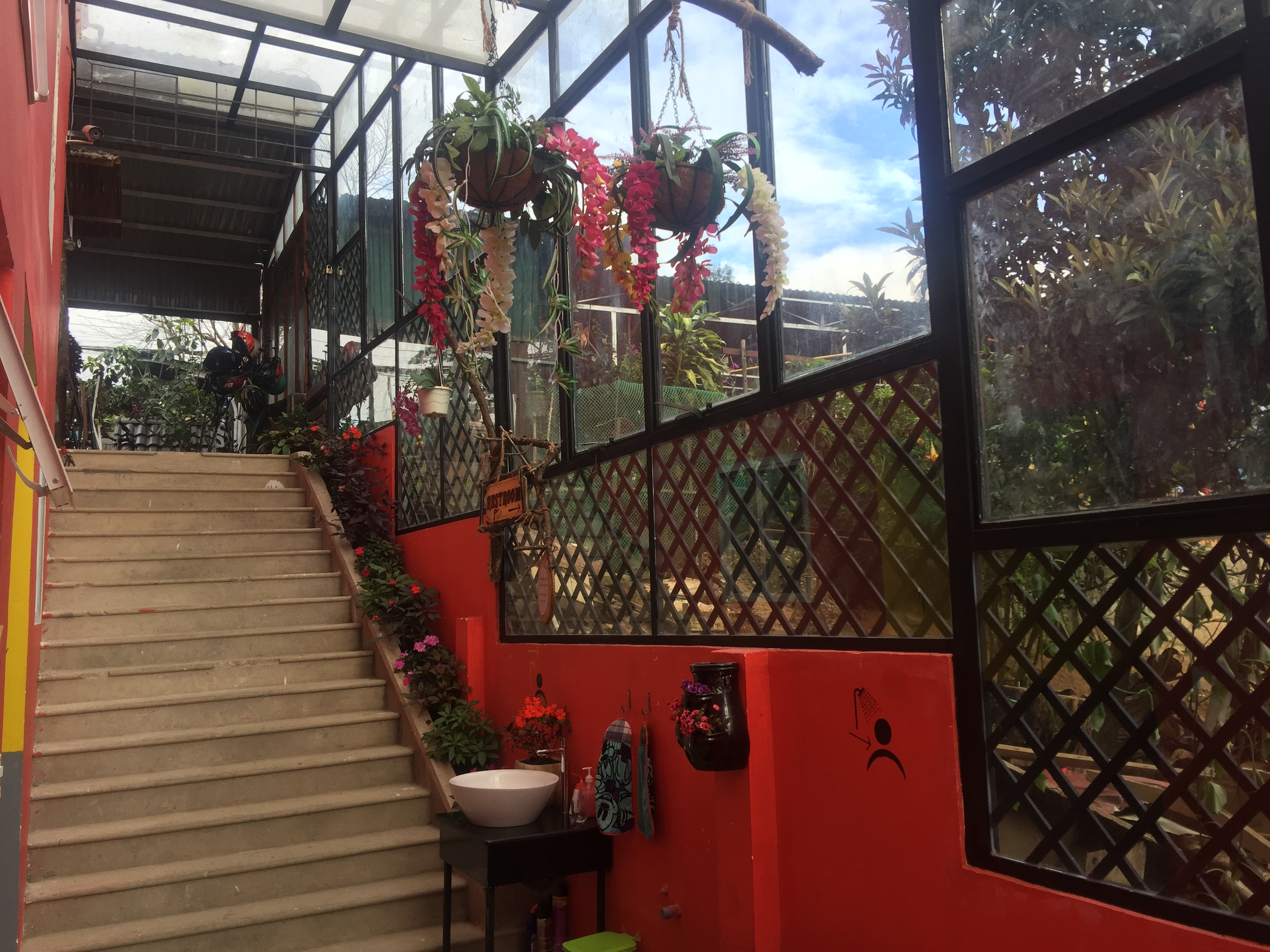 Redhouse Backpackers Hostel