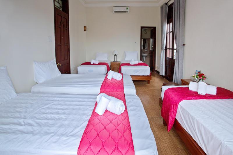 RedRose Villa and Hostel
