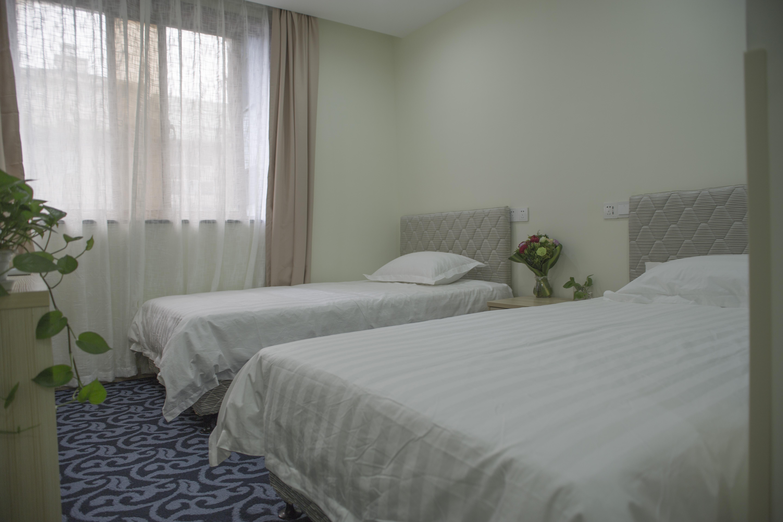 Memory Travel Hotel (West Lake)