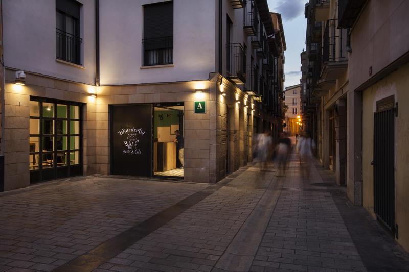 Winederful Hostel & Cafe