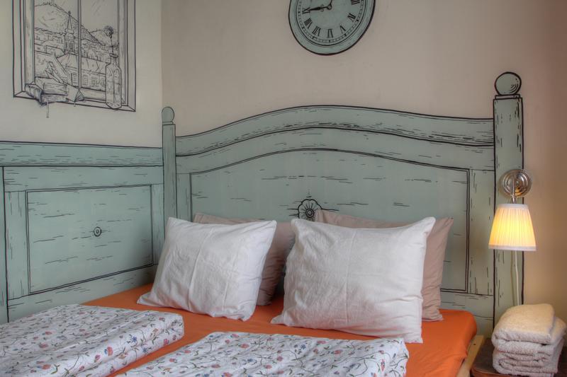 HOSTEL - Lavender Circus Hostel, Doubles & Ensuites