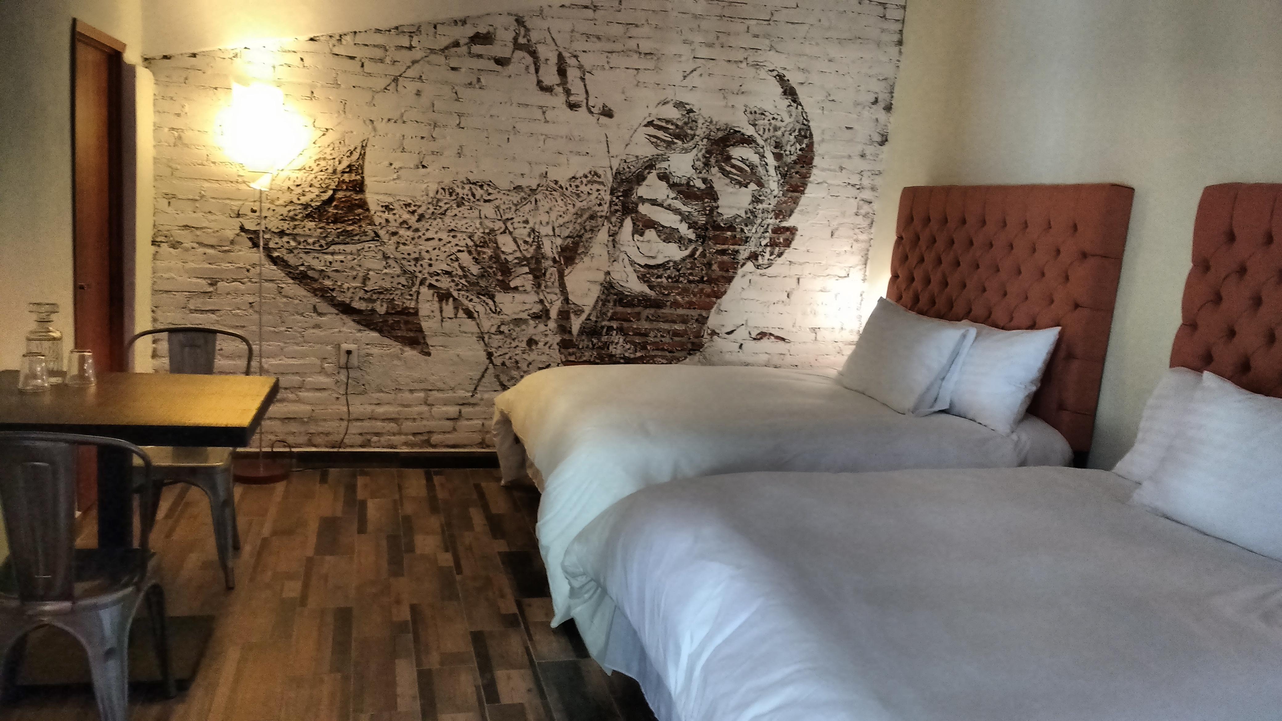 Piki Hotel & Hostel