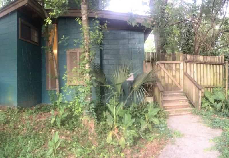 Sun and Moon Backpackers Hostel