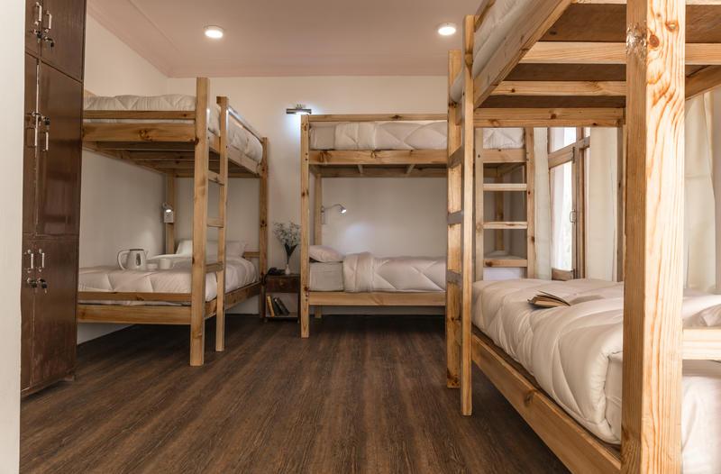 Ree Hostel By Raybo