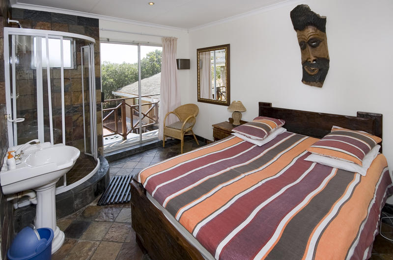Lungile Lodge beachfront backpackers
