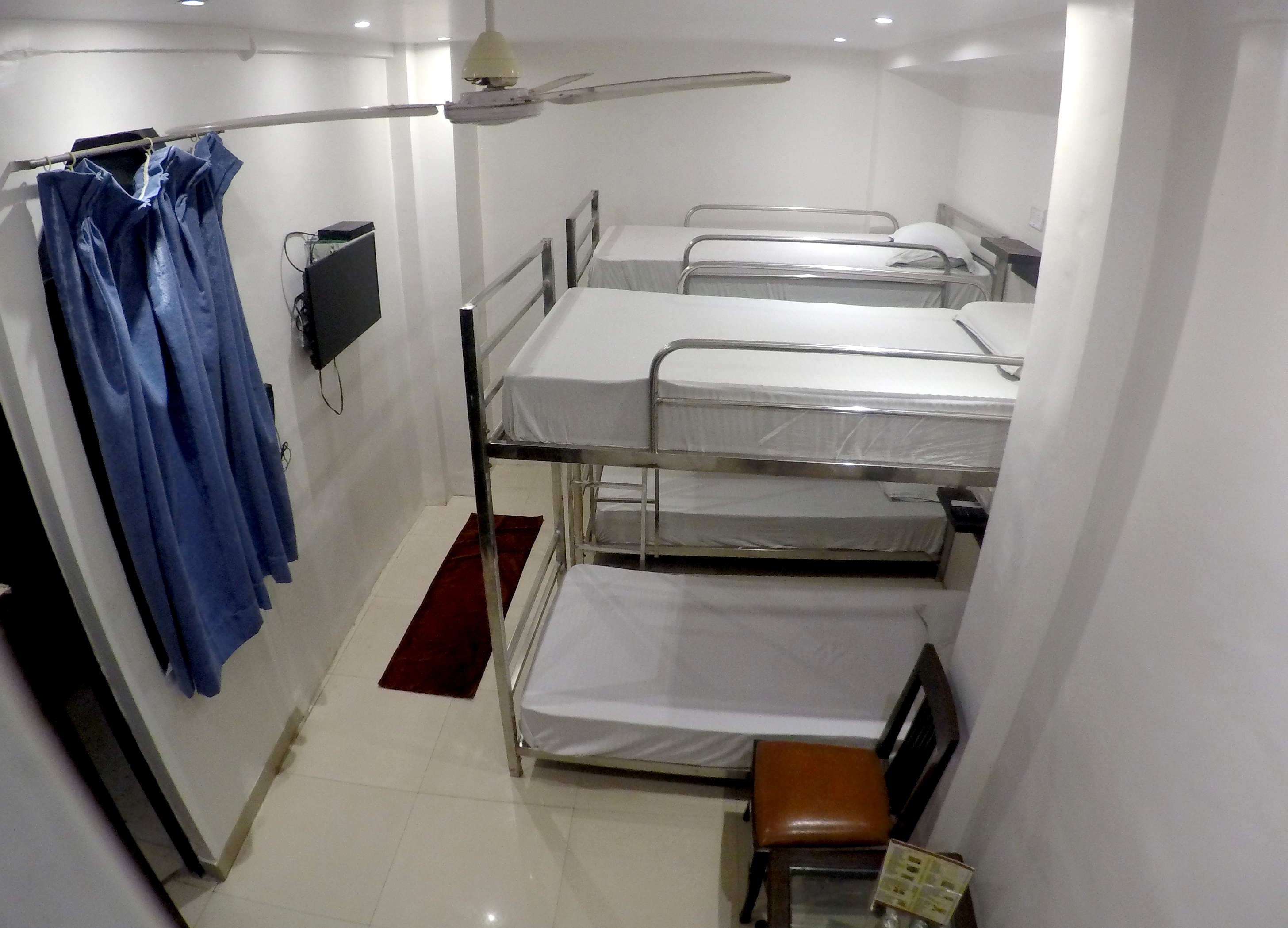 Bunk Beds@New Delhi Train Station(Hotel JBN Int.)