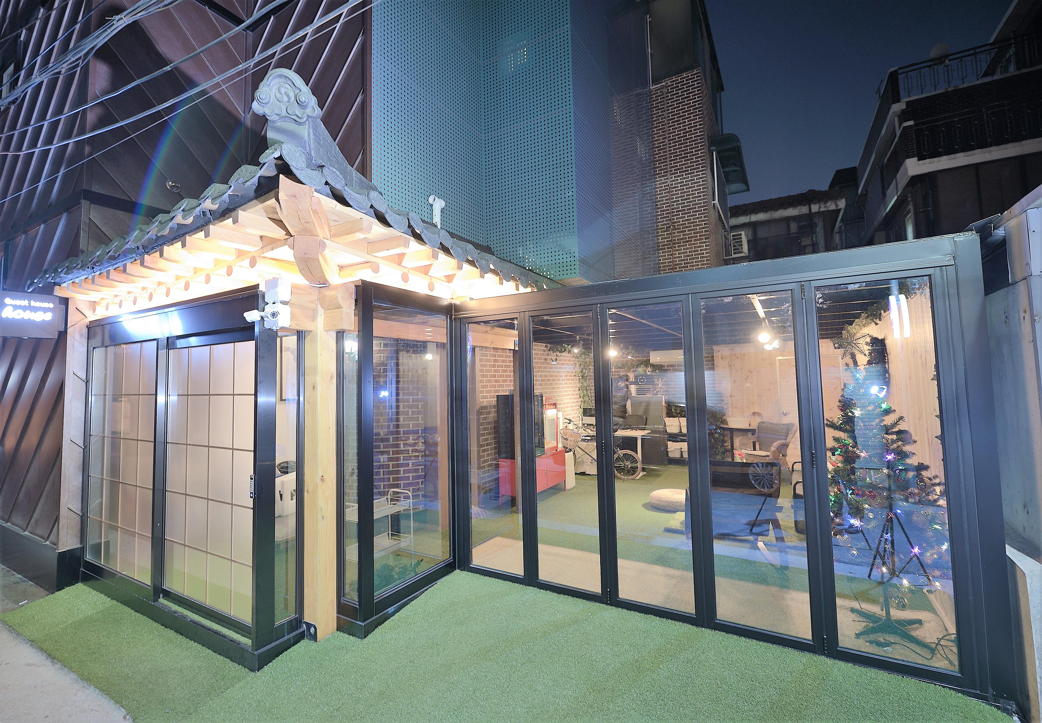 Y's House in Hongdae