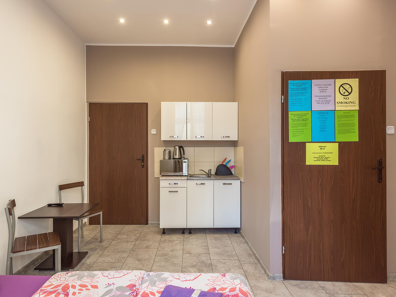 Hostel70s
