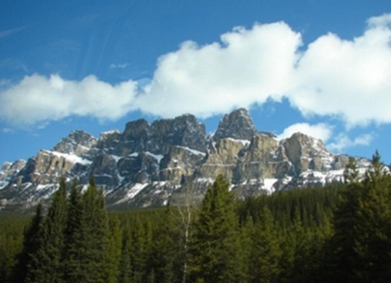 HI Castle Mountain