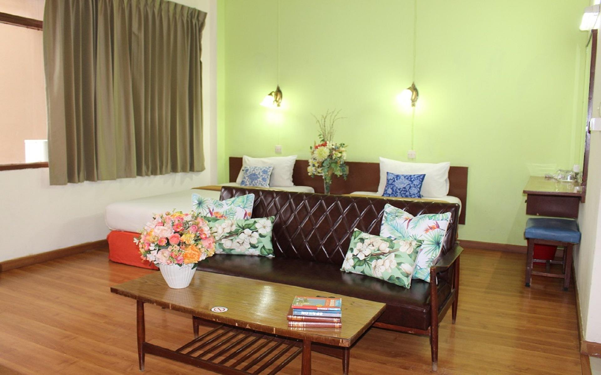 HOTEL - The Miami Hotel Sukhumvit Soi 13