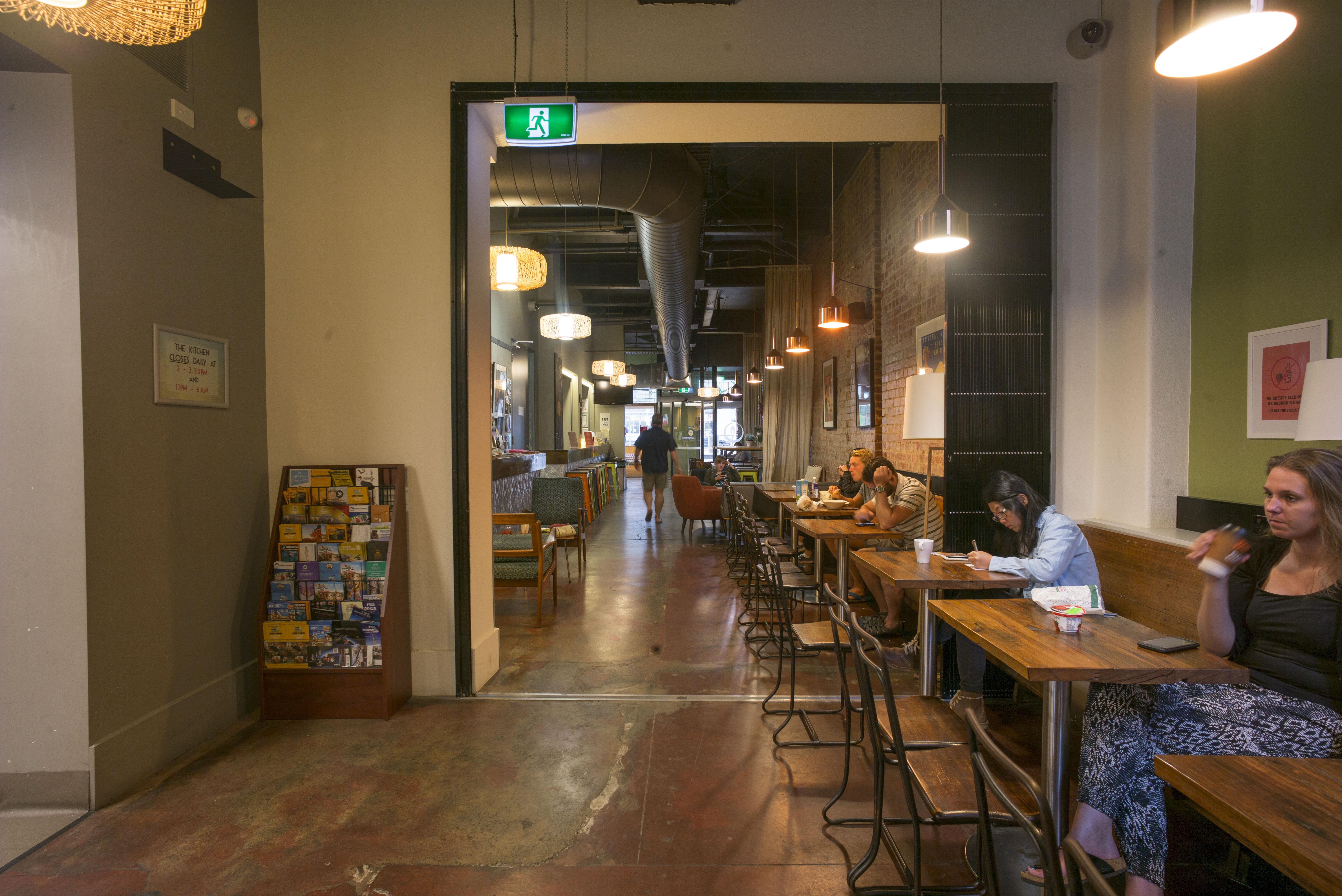HOSTEL - Melbourne Central YHA