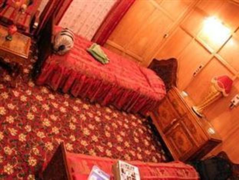 Persian Palace Houseboat