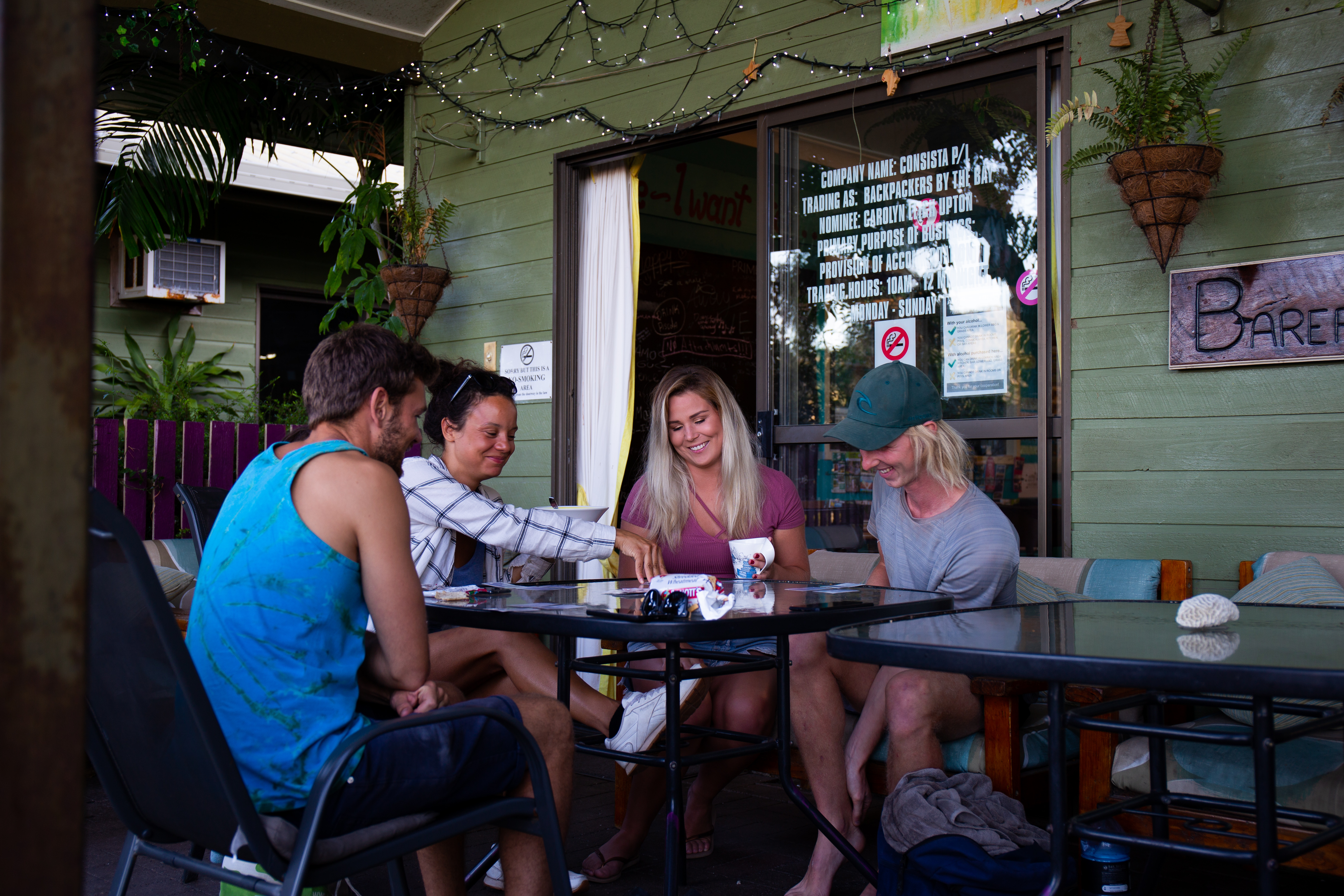 Airlie Beach Backpackers By The Bay