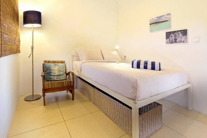 HOSTEL - The Island Hotel Bali