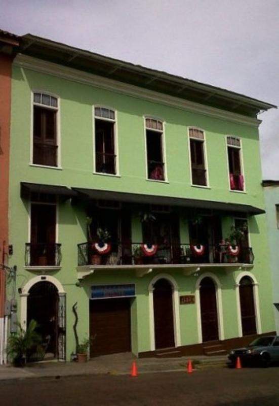 Luna's Castle Hostel