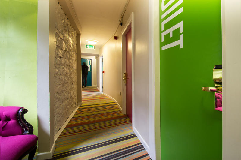 HOSTEL - Snoozles Quay Street Tourist Hostel Galway