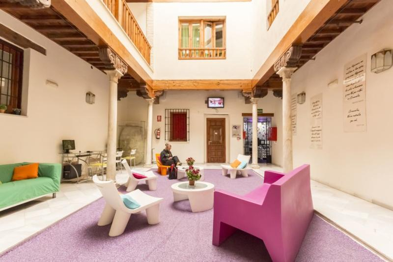 White Nest Hostel - Granada