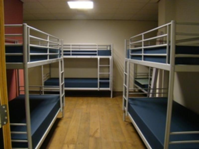 3BE Backpackers Bed